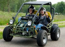 Bedrijfsuitje Friesland: sandbuggy rijden